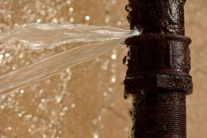 rusty-pipe-burst-water-leak